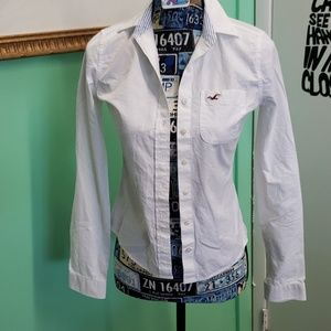 Hollister XS white button down long sleeve shirt